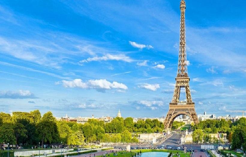 EXTENDED WEEKEND IN PARIS